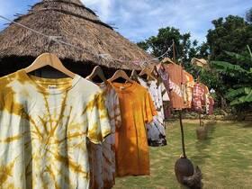 与論民俗村で木染め・藍染体験!オリジナルTシャツを作ろう!【与論島】
