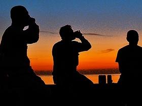 夕焼けビールツアー!夕焼けの海岸で島人と交流を楽しむ【奄美大島大和村/5月~9月限定】