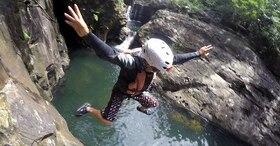 マングローブカヌーとキャニオニング!全力で水遊びを楽しむ1日コース【西表島/5月~10月限定】
