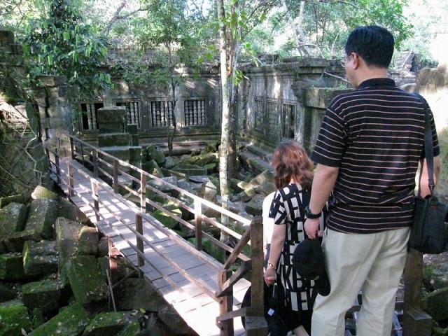 天空の城ラピュタ? ジャングルに眠る巨大遺跡 ベン・メリア 半日ツアー<午前>