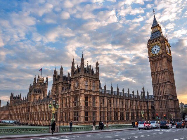 ユーロスターで行く パリ発ロンドン日帰りツアー