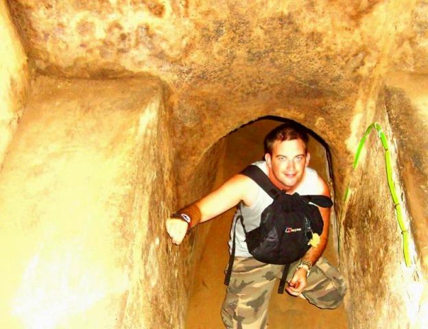 クチトンネル半日観光 ベトナム戦争の足跡を追う