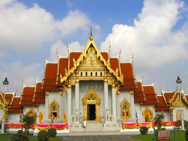 黄金仏寺院、大理石寺院&ウィマンメーク宮殿 (バンコク発) 2017年9月までの催行