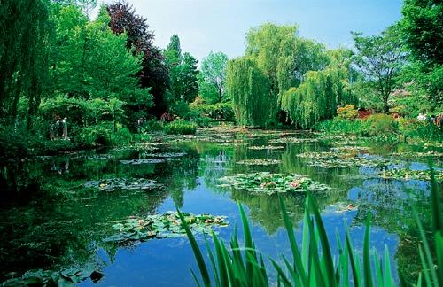 【期間限定4月~10月】格安!! 画家モネの邸宅と庭園を訪れるジベルニー半日観光