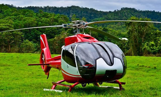 60分熱帯雨林とリーフヘリコプター遊覧飛行
