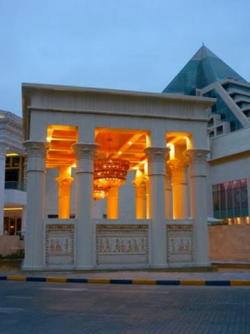 ドバイ半日市内観光 & 砂漠でアラブ風ビュッフェディナー