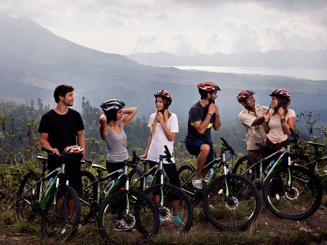 バリ島でサイクリング