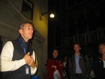 夜のベネチアを満喫!ミステリアスなゴースト・ウォーキングツアー【期間限定4月~10月の催行】
