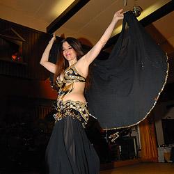 夜のドライブと夕食&伝統的ダンスショー