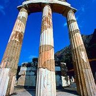 【期間限定 4月~10月】 古代遺跡を満喫!デルフィ2日間ツアー