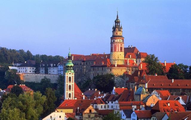世界一美しい街を訪ねて!世界遺産チェスキー・クルムロフ 1日観光ツアー