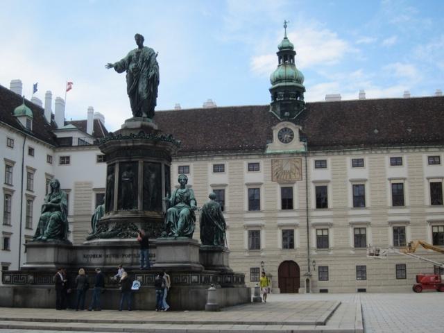芸術の都はすぐ隣!プラハから行くオーストリア・ウィーン1日観光!