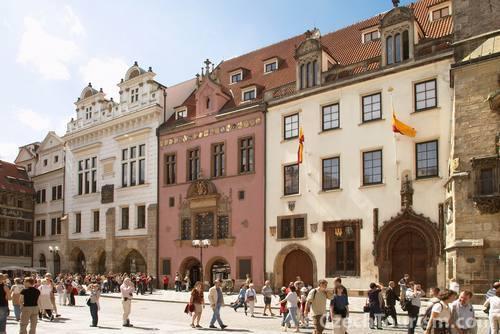 歴史の光と影を学ぶ ユダヤ人の歴史を知る・プラハ市内観光ウォーキングツアー