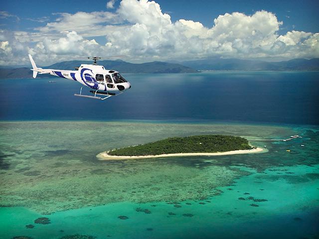 パームコーブ発 ヘリコプターで行くグリーン島とアウターリーフ