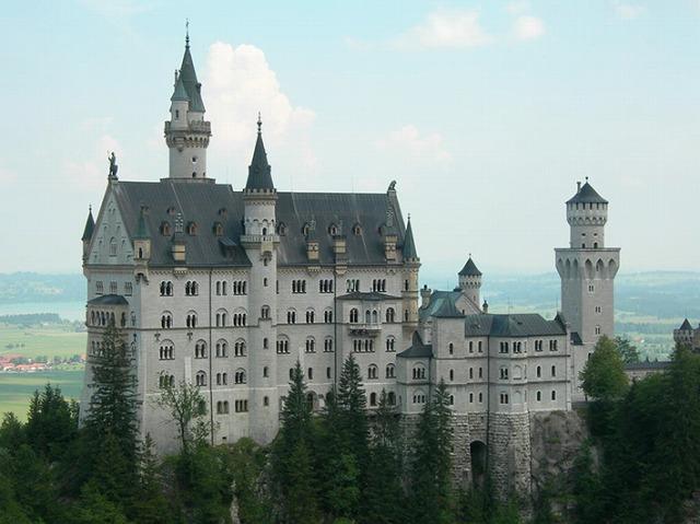 ヨーロッパで最も人気の居城! ノイシュバンシュタイン城+ローテンブルク