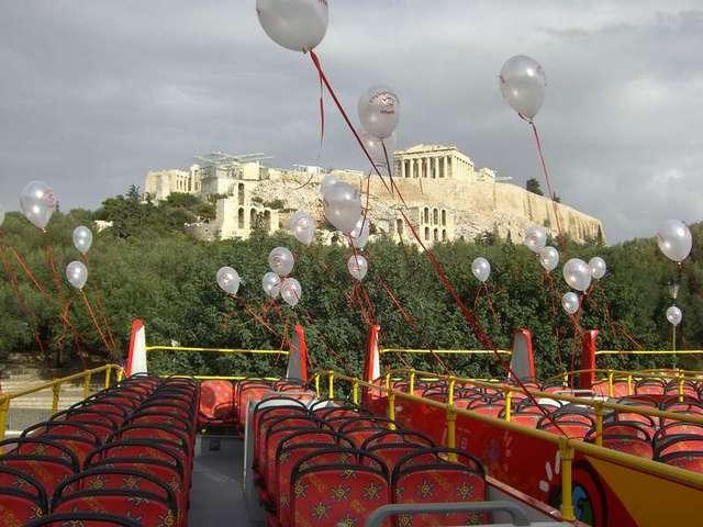 アテネシティサイトシーイング 乗り降り自由!2階建てオープントップバス