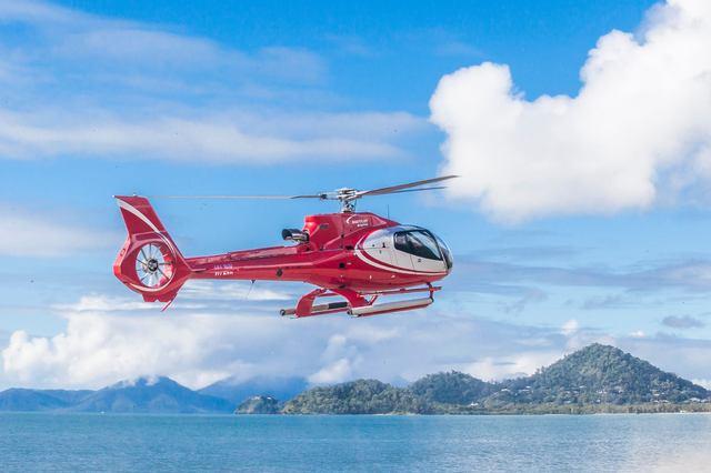 ヘリコプターで行くモアリーフ(サンラバーポンツーン)