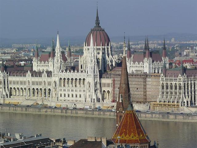 ハンガリー国会議事堂 見学ツアー(約1.5時間)