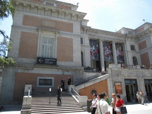 バルセロナ空港発マドリッド 日帰り・往復・片道チケット LCC格安航空券!