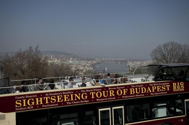 ビッグバスツアーズ ブタペスト 48時間乗り降り自由市内観光バス乗車券 日本語オーディオ解説付き