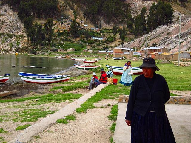 コパカバーナとチチカカ湖に浮かぶ太陽の島イスラ・デル・ソルを訪れる1日