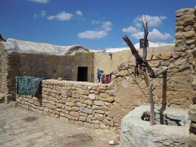 ベルベル人の村を訪問! タクルーナ、ズリバ、ジェラド周遊[1日/英語/昼付]