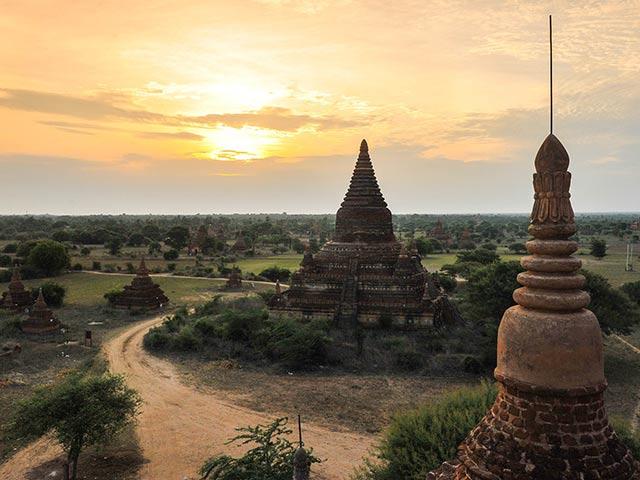 バカン観光 3日間 [往復バス利用・車中2泊+ツアー] ヤンゴン発