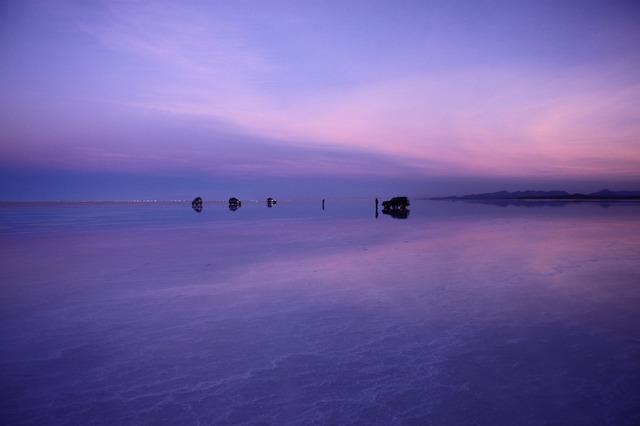 ウユニ塩湖1日と夕日ツアー [日本語ガイド/ 12月~3月のみの催行/混載]