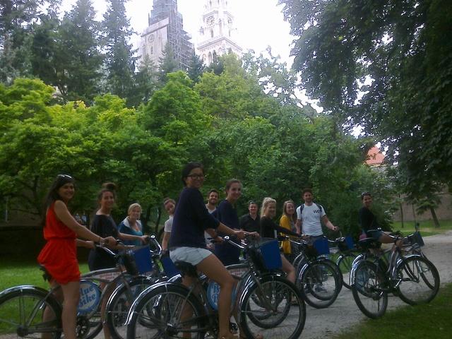 自転車で回る!旧市街と新市街ザグレブツアー[英語ガイド]