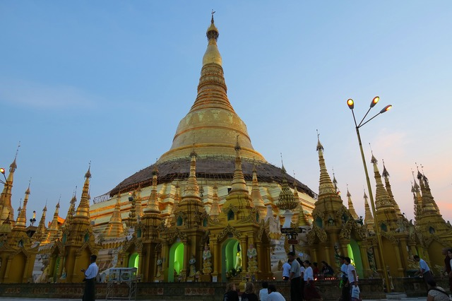 ミャンマーの首都ヤンゴン 3日間 [航空券 + 終日観光付き フリープラン + 宿2泊] バンコク発