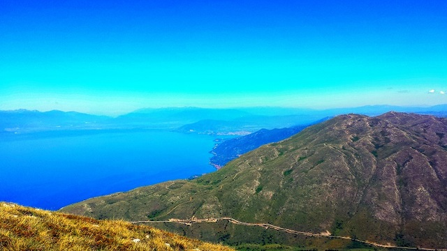 マケドニアの自然と歴史を満喫!聖ナウム+聖ザウム修道院、小さな美しい村Trpejcaを訪れる1日ツアー【オフリド発】