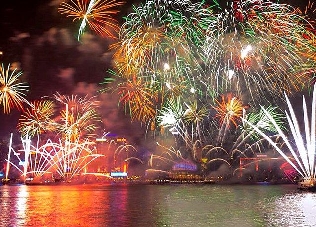 ※※※満席になりました。【2017年12月31日席数限定!】香港大晦日カウントダウン&花火鑑賞ディナークルーズ(飲み放題付き)