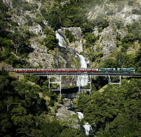 キュランダ高原列車チケット片道/往復<ケアンズセントラル駅集合>