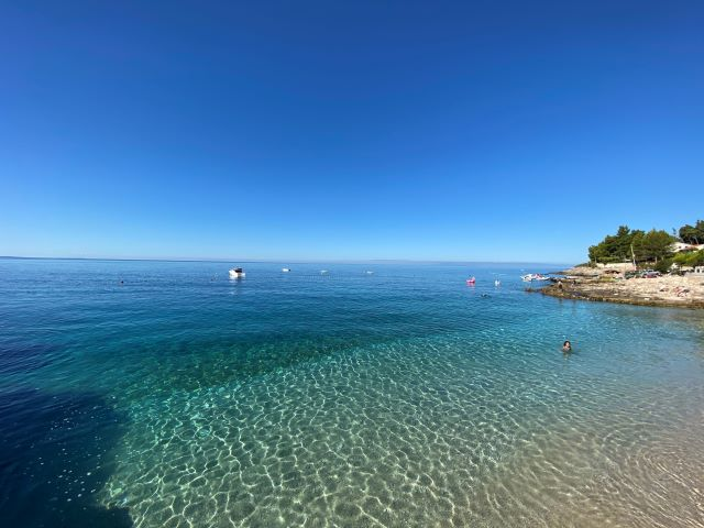 クロアチア政府公認観光ガイドがアドリア海のある島の風景をご案内!【オンライン体験/Zoom利用 】